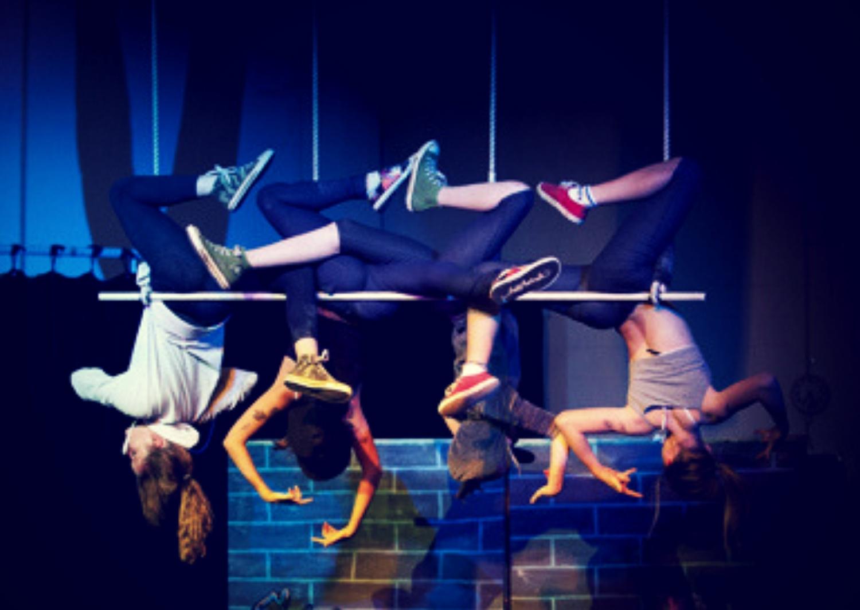 circus-arts-byron-bay-aerials-performance-stream