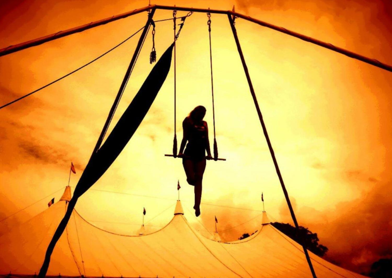 circus-arts-performances-shows-festivals-roving-2