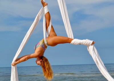 circus-arts-byron-bay-3-day-aerial-and-pole-intensive-course-lyra-static-trapeze-swinging-silks-spanish-web-17
