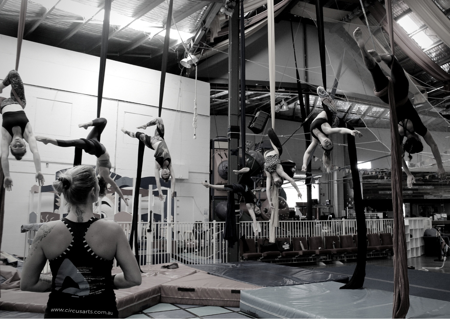 circus-arts-byron-bay-3-day-aerial-and-pole-intensive-course-lyra-static-trapeze-swinging-silks-spanish-web-2