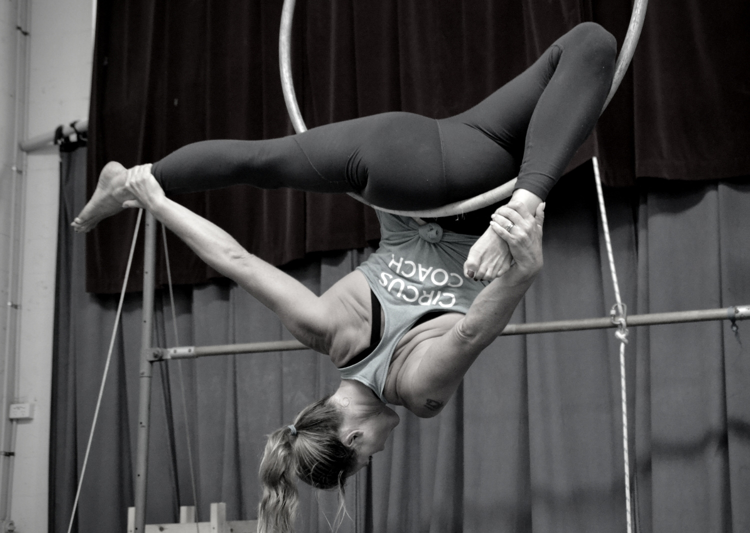 circus-arts-byron-bay-3-day-aerial-and-pole-intensive-course-lyra-static-trapeze-swinging-silks-spanish-web-3