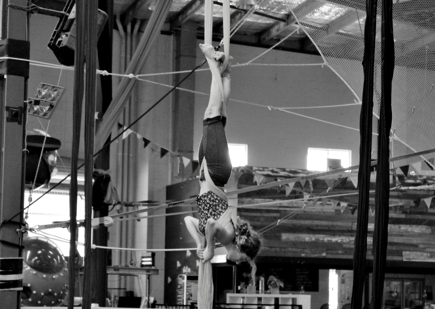 circus-arts-byron-bay-3-day-aerial-and-pole-intensive-course-lyra-static-trapeze-swinging-silks-spanish-web-5